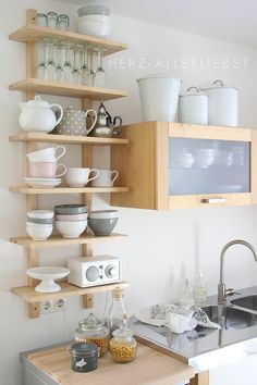 3 tricks for more space: So awesome you can set up a small kitchen - Regale / Shelves - Home Sweet Home Kitchen Interior, New Kitchen, Kitchen Decor, Kitchen Ideas, Kitchen Small, Small Kitchens, Awesome Kitchen, Kitchen Designs, Modern Kitchens