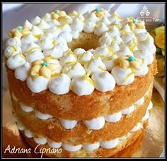 Chiffon cake al limoncello Almond Paste Cookies, Limoncello, American Cake, Angel Cake, Food Obsession, My Dessert, Chiffon Cake, I Love Food, Cake Cookies