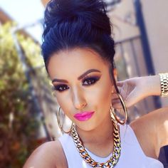 Amrezy makeup