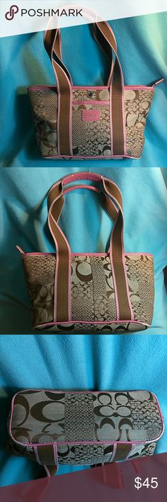 Authentic Coach Handbag In excellent condition. No stains or imperfections. NoM04K-5659 Coach Bags Shoulder Bags