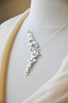 Zilveren asymmetrische Dogwood Flower ketting - Y Style ketting, Delicate…