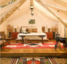 Amazing canvas tents for glamping! http://accordingtobrian.com/canvas_glamping_tents?=bigtents