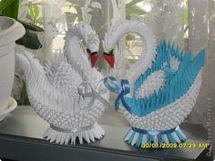 Наверно многие девочки любят делать фигурки из модулей и вот это и есть одна из идей. Вот, мне очень нравится модульное оригами.