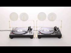 Created as an instrument, 'pendulum sound machine' uses a record player's rotation to make noise with 16 plate-hitting pendulums. By Kouichi Okamoto year : 2011