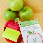 Back to School Teacher Gift: Apple Post It Note + Printable