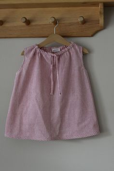 This would make a perfect, simple summer dress for a toddler - I bet I could figure this out before next summer! - vintage pattern by L Poel, via Flickr