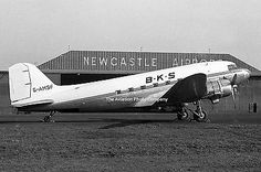 BKS-Douglas-C-47-DAkota-G-AMSF-at-Newcastle-Photo.jpg (400×266)