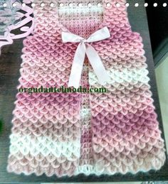 Hand Knitting Women's Sweaters Baby Knitting Patterns, Crochet Stitches Patterns, Dress Sewing Patterns, Knitting Designs, Knitting Projects, Hand Knitting, Gilet Crochet, Crochet Coat, Crochet Jacket