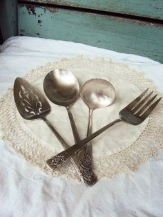 Vintage Silver Plate WM Rogers Serving by primitivepincushion, $32.99