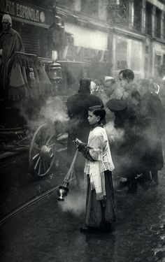 Henri Cartier-Bresson / it must be funeral procession