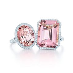 Gorgeous pink diamond rings from Tiffany and Co. Tiffany Et Co, Tiffany Outlet, Chic Summer Style, Everything Pink, Ring Verlobung, Solitaire Ring, Clutch, Classy And Fabulous, Diamond Are A Girls Best Friend