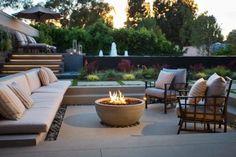 Diy Fire Pit, Fire Pit Backyard, Backyard Patio, Small Garden Design, Patio Design, Terrace Design, Fire Pit Area, Fire Pits, Types Of Fire