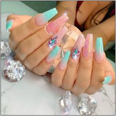 мerмaιd 🧜🏻♀️ vιвeѕ Tag your mermaid friends 👭 . Summer Acrylic Nails, Best Acrylic Nails, Summer Nails, Cute Nail Designs, Acrylic Nail Designs, Beautiful Nail Designs, Bling Nails, Swag Nails, Rhinestone Nails