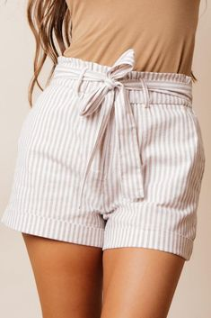 Discover recipes, home ideas, style inspiration and other ideas to try. Modest Shorts, Summer Shorts Outfits, Comfy Shorts, Cute Shorts, Striped Shorts, Flowy Shorts, Black Shorts, Summer Clothes, Jean Shorts