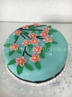 (Bild) Torte mit Blumen