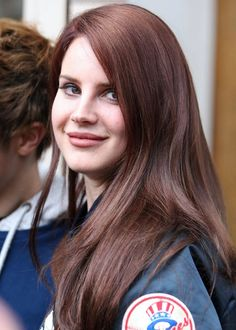 Brown hair of Lana Del Rey