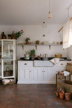 Rustic Kitchen, Vintage Kitchen, Kitchen Ideas, Kitchen Designs, Kitchen Layout, Kitchen Modern, Kitchen Trends, Kitchen Inspiration, Kitchen Furniture