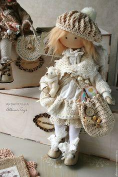 Купить или заказать Акварелька. Текстильная коллекционная кукла ангел. Бохо стиль. в интернет-магазине на Ярмарке Мастеров. Куклы. Ангелок Акварелька. пробудилась вместе с расцветающей весной... нежная, романтичная, добрая. Днем рисует акварелью на облаках добрые сны, ночью разбрасывает звезды чтобы люди могли загадывать желания... Использованы хлопок, вискоза, кружевное полотно вышитое хлопком, шелковые и вискозные ленты, немецкое кружево, хлопковая пряжа и шелковая пряжа, винтажные…