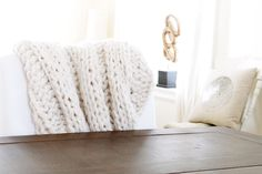 Free pattern for chunky wool blanket http://www.lynneknowlton.com/wool-blanket-pattern/