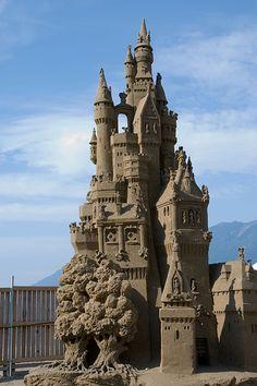JPB:Sand Sculpture collection : Now this is a sandcastle Snow Sculptures, Sculpture Art, Metal Sculptures, Abstract Sculpture, Bronze Sculpture, Ice Art, Snow Art, Sand Crafts, Grain Of Sand
