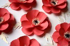 Fabrication de fleurs en papier / Coquelicot en papier pour une décoration événementielle / Fleur en papier /
