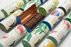 The Dieline Awards Fortnum & Mason - Chocolate Coated Biscuits- Together Design — The Dieline - Branding & Packaging Smart Packaging, Dessert Packaging, Cookie Packaging, Food Packaging Design, Brand Packaging, Branding Design, Packaging Ideas, Product Packaging, Packaging Inspiration