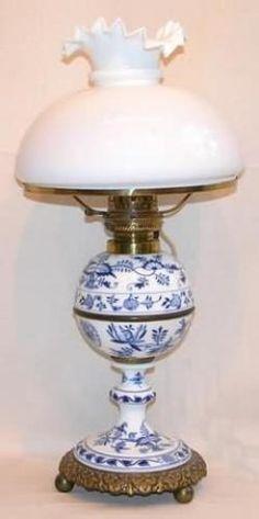 Cute onion pattern oil lamp