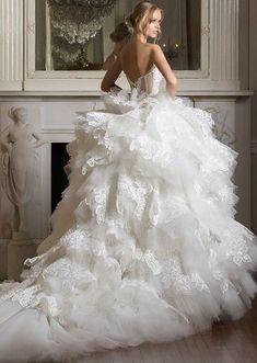 Wedding Dress Inspiration – Pnina Tornai – MODwedding – Famous Last Words How To Dress For A Wedding, Luxury Wedding Dress, Gorgeous Wedding Dress, Dream Wedding Dresses, Bridal Dresses, Beautiful Dresses, Pnina Tornai, Mod Wedding, Wedding Looks