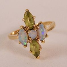 ESTATE 10K YELLOW GOLD FIRE OPAL & PERIDOT MARQUISE  RING Size 5 1/4  G141G