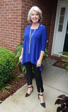 Love this blue top worn by Susan at Fifty, not Frumpy. I'd like to be wearing it on my next cruise.