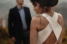 Crossback wedding dress | Photo by Rangga Jamalludin Anwar