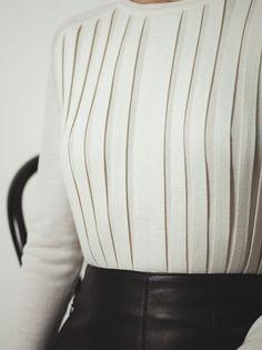 Hermès – Vestiaire d'Hiver 2012 Pleated pullover in fine cashmere