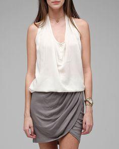 """Lightweight tulip skirt  100% Viscose 17"""" in length 29"""" waist"""