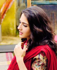 Bollywood Girls, Bollywood Celebrities, Bollywood Actress, Casual Indian Fashion, Sara Ali Khan, Girly Pictures, Beautiful Indian Actress, Beautiful Ladies, Aesthetic Hair