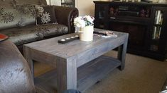 DIY Wood Pallet Coffee Table | 101 Pallet Ideas