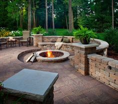 Exactly the recessed fire pit seating I've been visualizing.  Very well done - with two columns on the side.  Like.