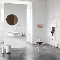 'Minimal Interior Design Inspiration' is a biweekly showcase of some of the most perfectly minimal interior design examples that we've found around the web - Minimalism Interior, Home, Interior Design Inspiration, Interior Design Examples, Scandinavian Bathroom, Bathrooms Remodel, Bathroom Decor, Beautiful Bathrooms, Bathroom Inspiration