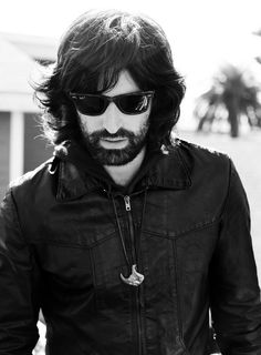 Pete Yorn, singer-songwriter, lyricist, and drummer, graduated from SU in 1996.