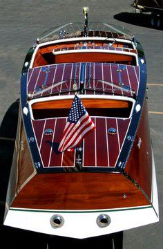 Prop vintage inboard