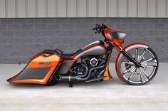 A custom Harley-Davidson Street Glide by the BX Custom Designs team in NC. Harley Bagger, Bagger Motorcycle, Motorcycle Style, Motorcycle Paint, Motorcycle Garage, Harley Davidson Street Glide, Harley Davidson Touring, Harley Davidson Bikes, Harley Bikes