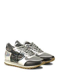 PHILIPPE MODEL PARIS - Sneakers - Donna - Sneaker in pelle e tessuto bouclè con inserto in pelle specchiata. Suola in gomma, tacco 25, platform 15 con battuta 10. - GREY\BLU\BLACK - € 300.00