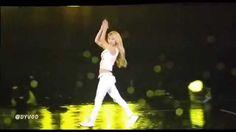 [Fancam] 141005 SNSD Hyoyeon Dance Battle Solo In The Rain @ SMTOWN LIVE...