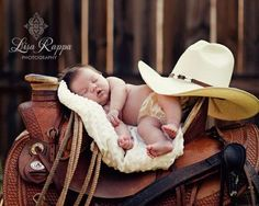 ideas baby pictures newborn country horses for 2019 Cowboy Baby, Little Cowboy, Newborn Cowboy, Cute Baby Pictures, Newborn Pictures, Cute Photos, Country Baby Pictures, Cute Kids, Cute Babies