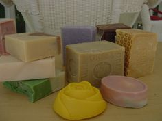 Today the most popular handmade soaps making process is the cold process method . Handmade soap