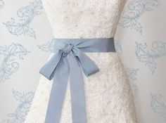 A Perfect 'Something Blue' Bow detail.......