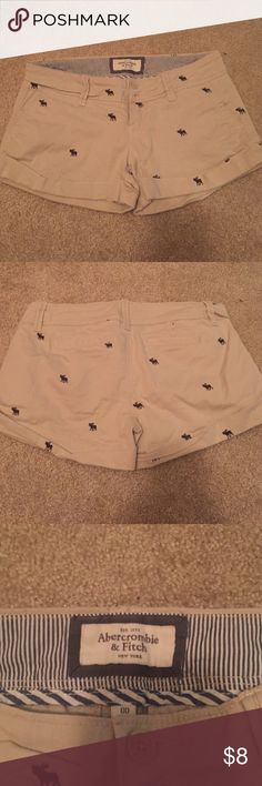 Abercrombie logo shorts Abercrombie & Fitch logo shorts. Worn only 3-4 times. Beige color Abercrombie & Fitch Shorts Cargos