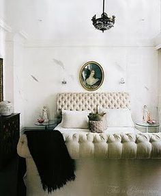 tufted. bed.