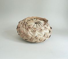 Etsy の Small Woven Basket by ItsYourDaye