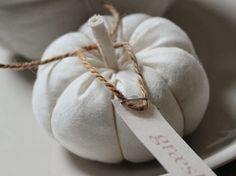 Tutorial fai da te: Come fare delle zucche di stoffa via DaWanda.com