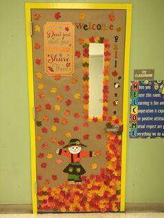 Classroom door decoration fall decoración de puerta otoño